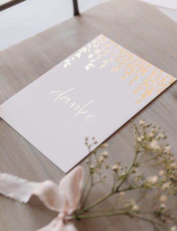 """Postkarte """"danke"""" mit goldener Heißfolienprägung"""