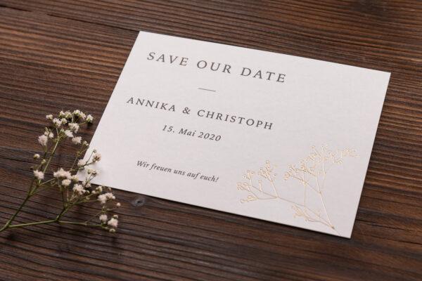 """save the date Karte """"Schleierkraut"""" goldene Prägung, warmes weiß"""