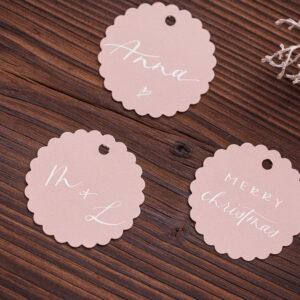 goldverliebt Geschenkanhänger rund mit Zierrand warmes rosa