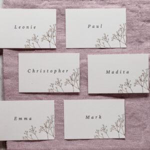 Platzkarten Schleierkraut mit goldener Heissfolienpraegung, Namenskarten