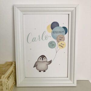 personalisierbares Geburtsbild mit Pinguin und blau gelben Luftballons A4 im Bilderrahmen