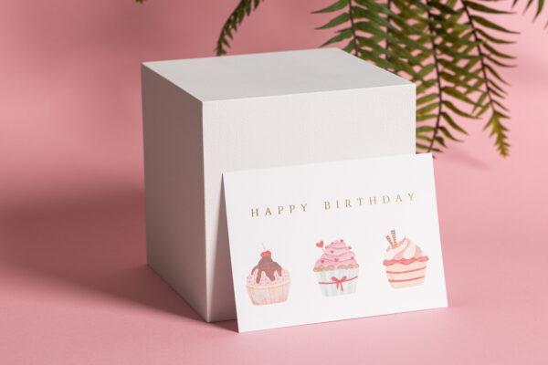 goldverliebt Karte happy birthday mit cupcake Illustration und Heißfolienprägung gold